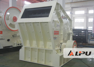 Cina 132kw - 160kw Tambang Crushing Equipment / Impact Stone Crushing Machine 90-190t / H pemasok